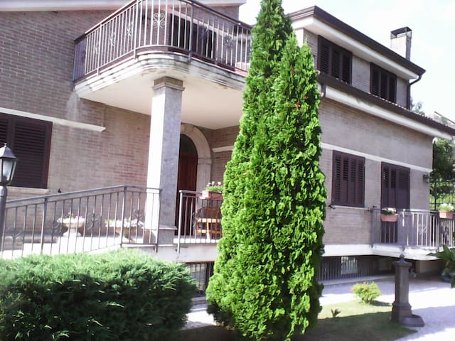 Villetta di lusso immersa nel verde - Capriglia irpina - 別荘