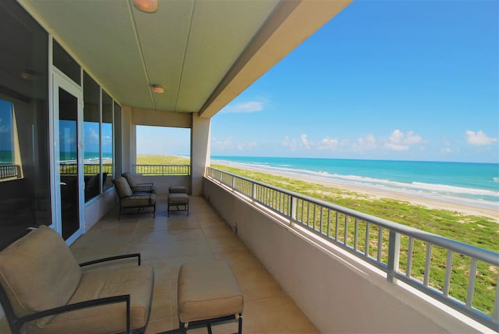 Incredible beachfront condo overlooking the beach! 401 North