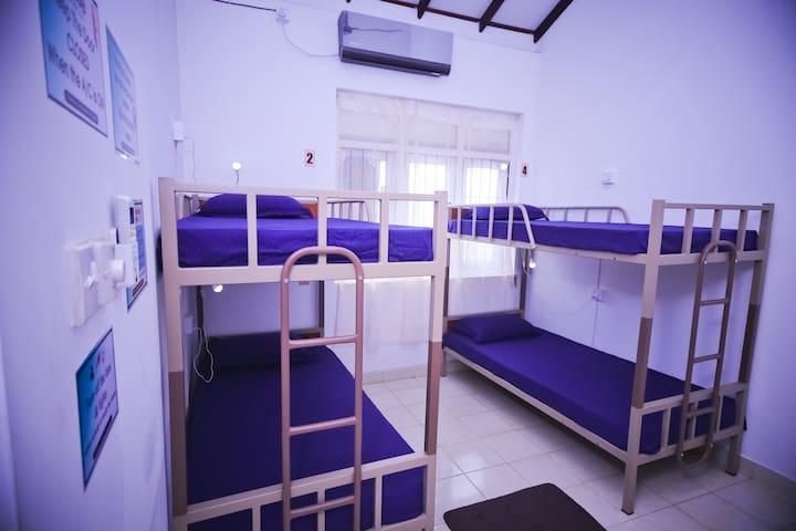 YoYo Hostel Mixed Dorm with A/C