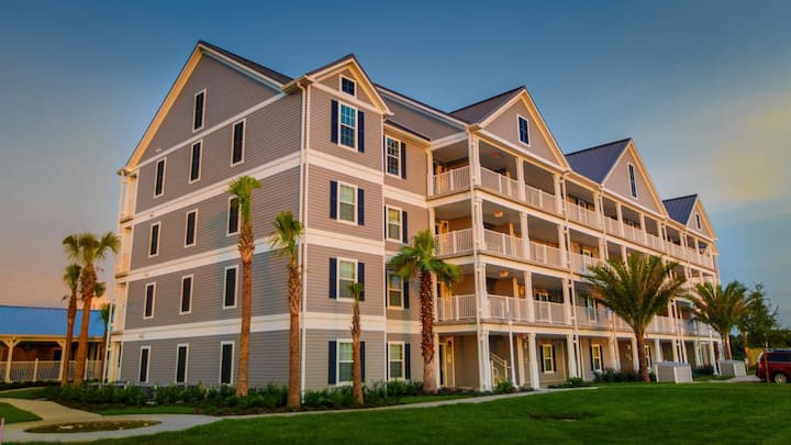 Orlando Family Getaway Just Minutes from Disney