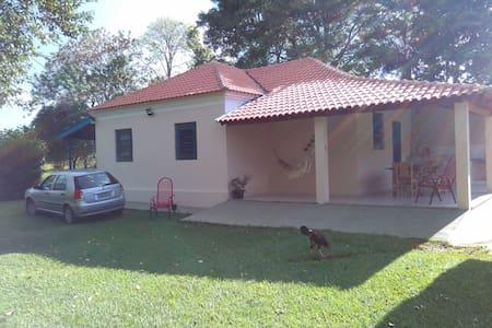Casa em sítio em Dracena