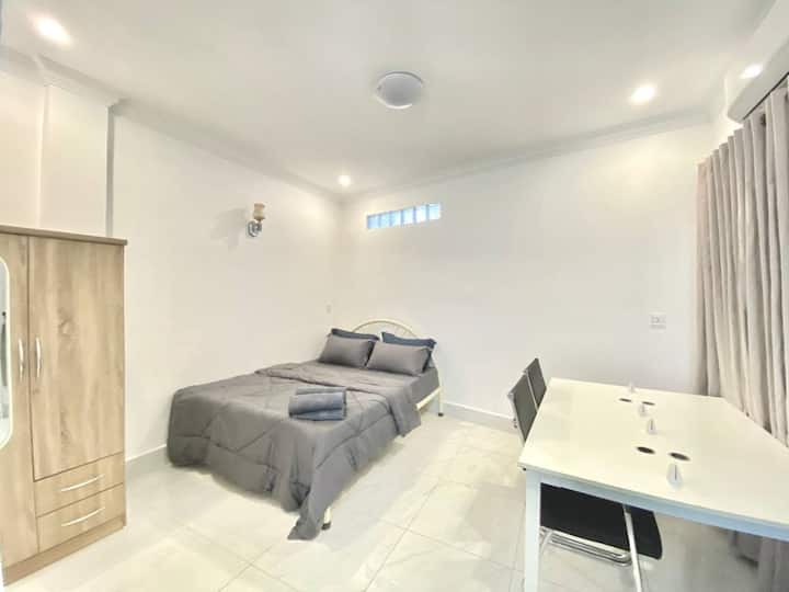 TTR202 Furnished Studio/Russian Mkt $220/month