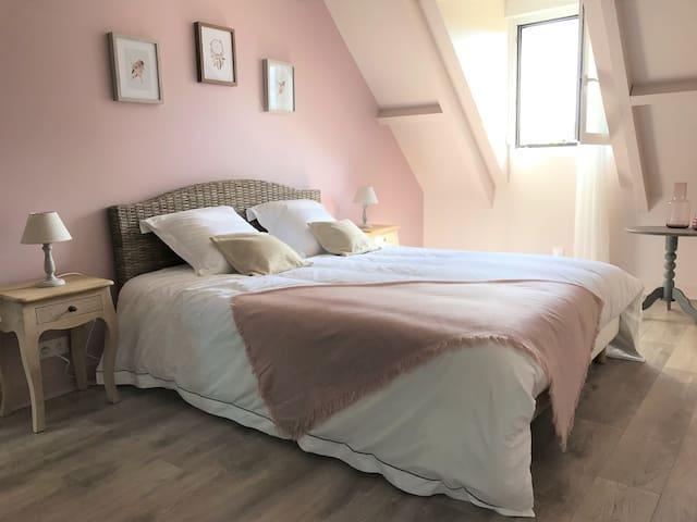 A la croisée des châteaux : chambre rose