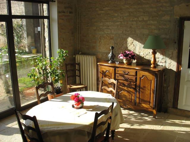 Meublé de tourisme en campagne - Pouilly-en-Auxois - Rumah