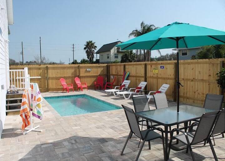 Heated Pool & Beach Retreat! Upscale Getaway!