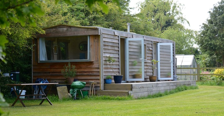 Rustic retro retreat in paddock - Woodhall Spa.