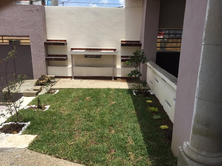 Beautiful and new Apartment w/heated pool (B6)