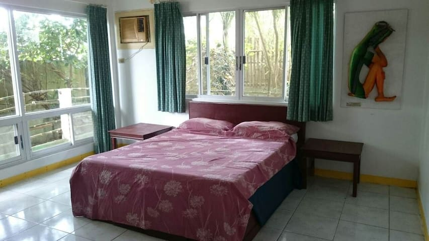 Large double room @ The Greens 360° view Boracay