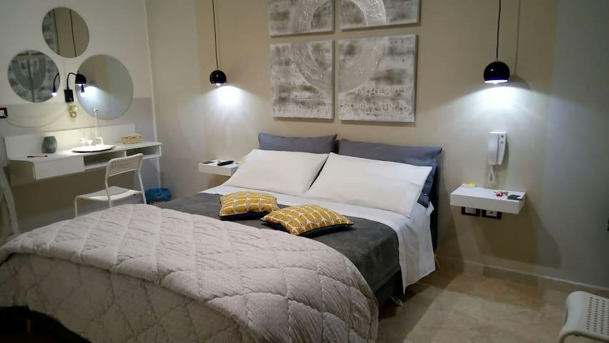 ORIAFRIENDLY intero appartamento arredato in Oria - Oria - Appartement