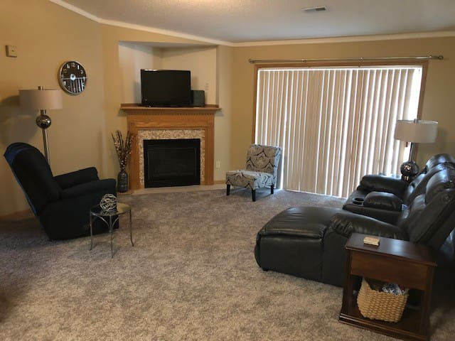 Your HOME AWAY FROM HOME  2 Bedroom Condo!
