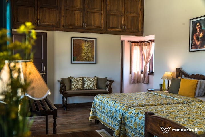 Suite Room in a Luxury Jungle Home