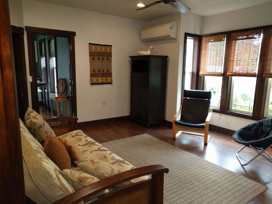 Urban Upstairs Apartment Apartments For Rent In