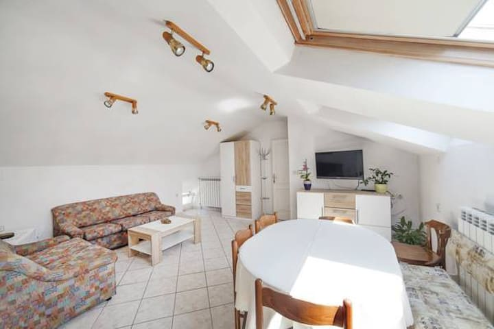 Loft Apartment - Brseč - Hus