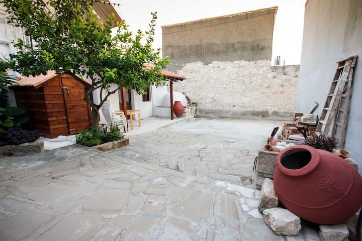Traditional Village Apartments - Delux Studio