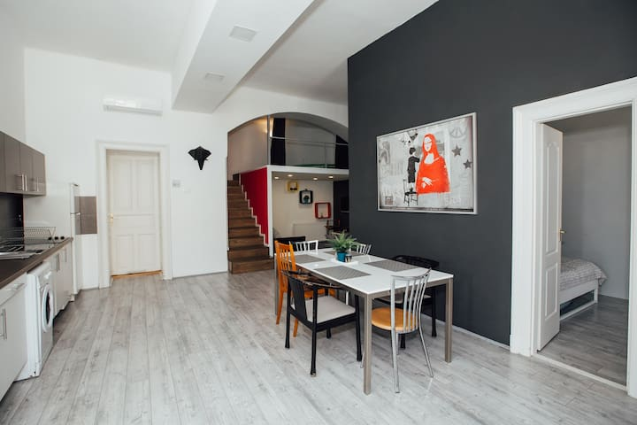 New,modern and big flat in City Center