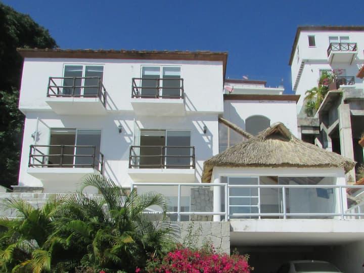 Villa de Lujo Zona exclusiva  en Brisas  Márques