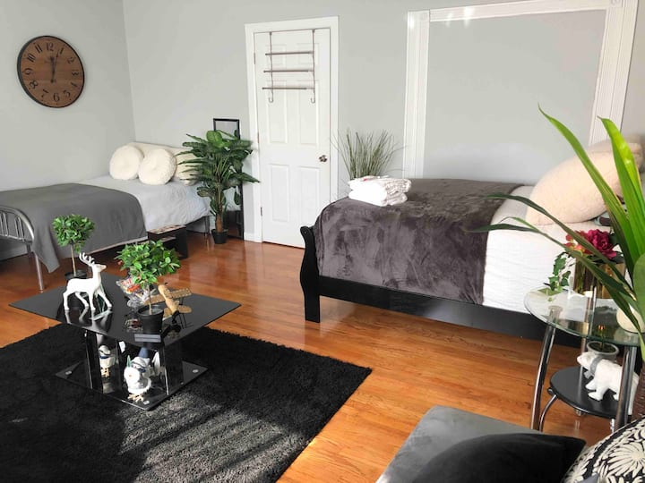 (1) Amazing  huge bedroom close to NYC