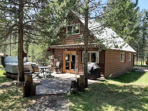 汤姆叔叔的小屋, 5张床,热水浴池,距离YNP 30英里。
