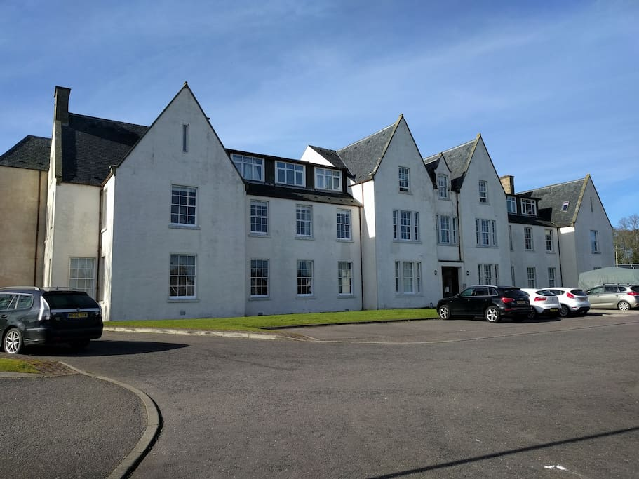 Old Court Apartments - great location