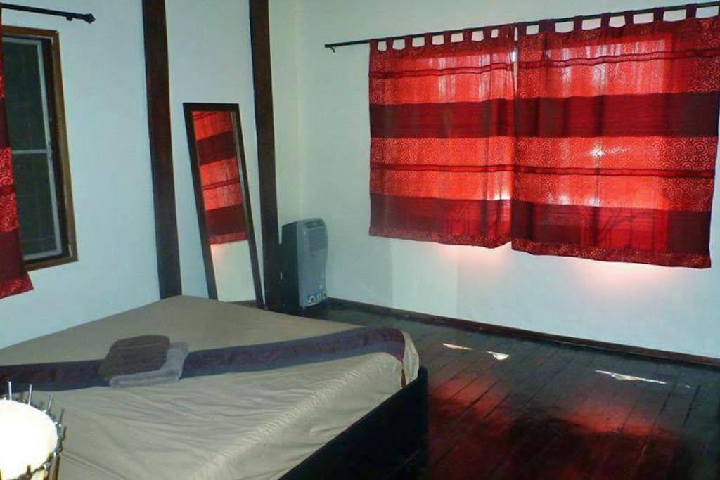 chambre rouge, 1er étage