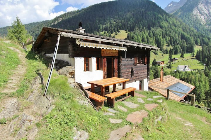 Beautiful Chalet in Binn with Parking