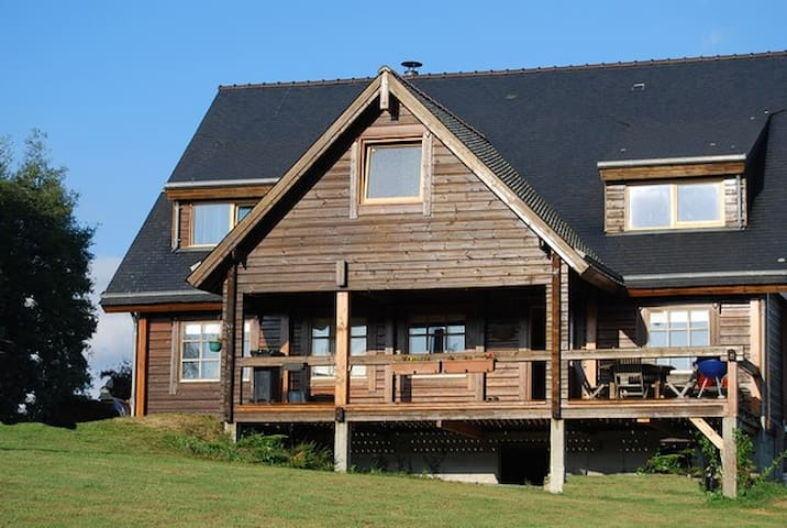 Wooden chalet for 1 or 2 families