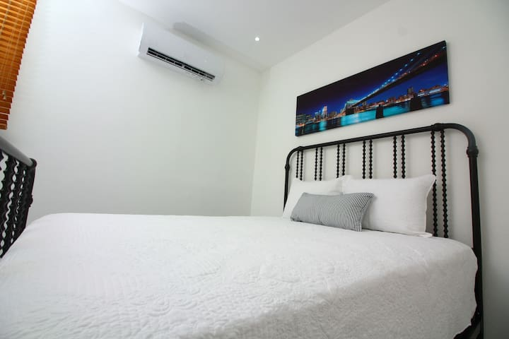 Renovated 2 bedroom apartment in Miramar