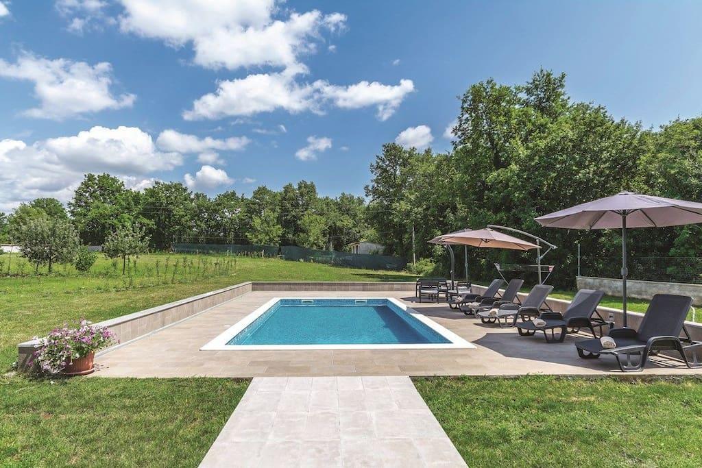 Garden Outdoor pool