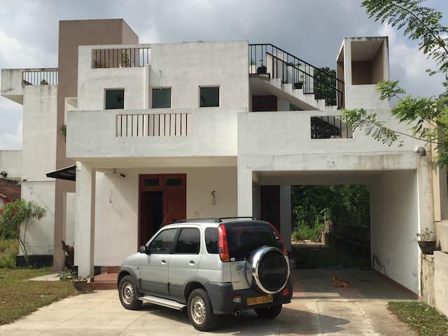 47E Horahena Road - Colombo