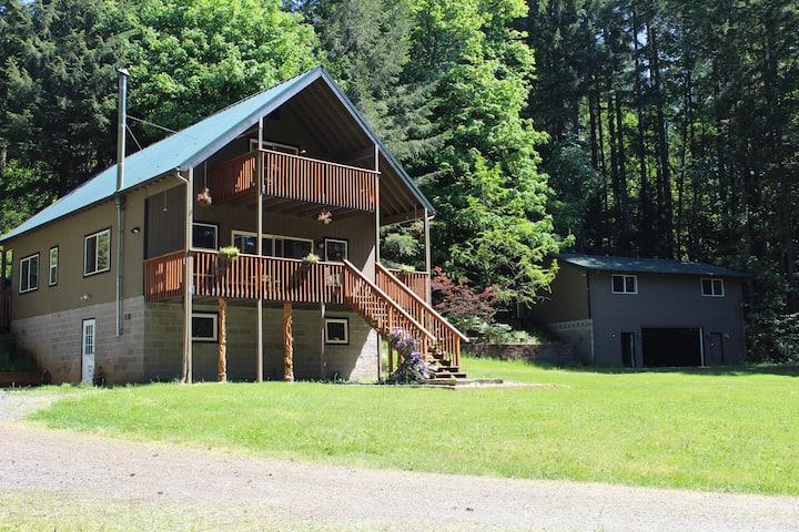Relaxing Fall Creek Vacation Rental