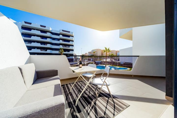 Great Apartments on the beach Los Arenales delSol