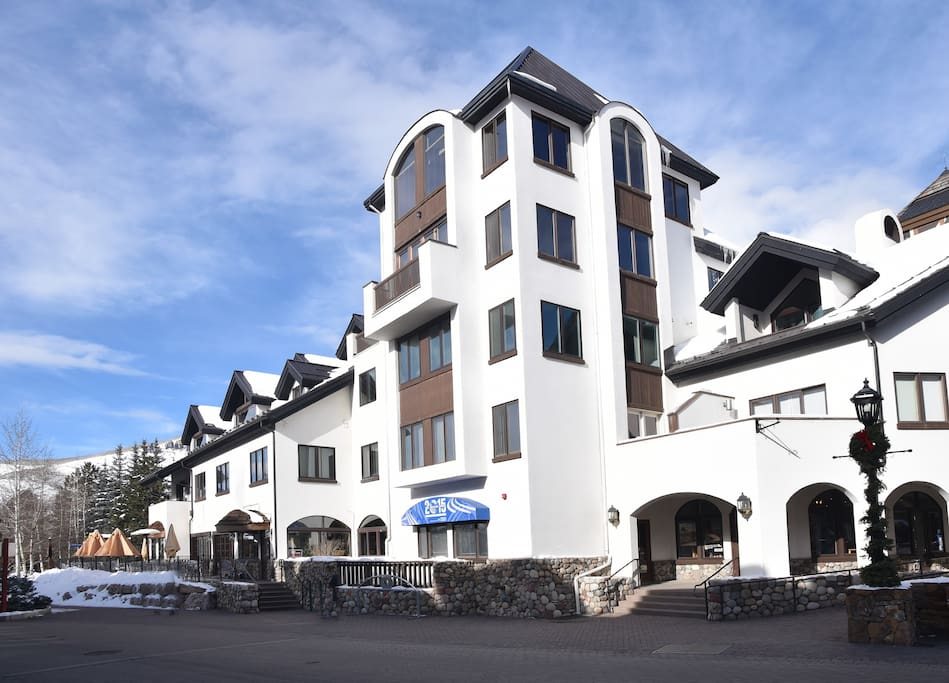 Village Inn Plaza building is a perfect Vail Village location.