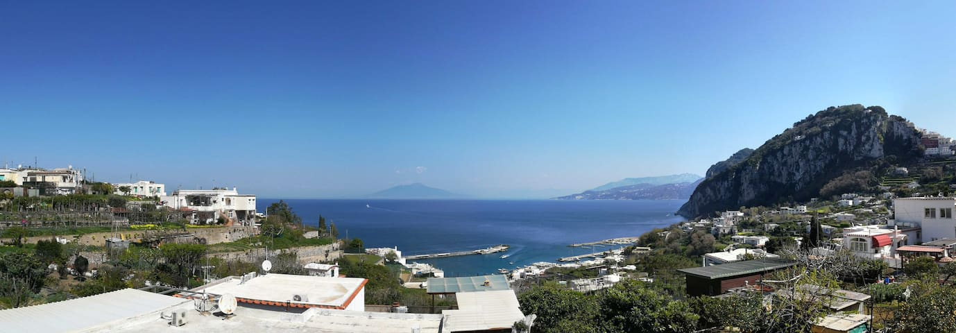 Grazioso appartamento - vista mare e balcone - Capri - อพาร์ทเมนท์