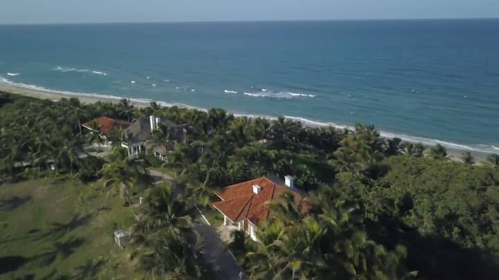 OCEAN PARADISE RETREAT ON VERACRUZ, MEXICO