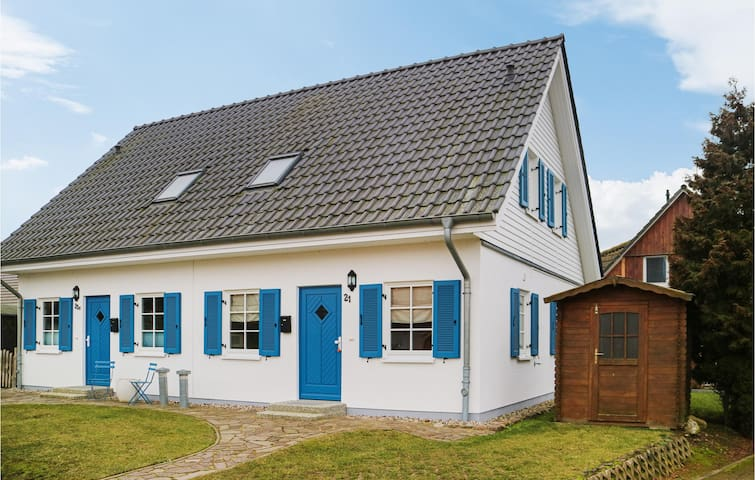 Semi-Detached with 2 bedrooms on 74m² in Hohenkirchen