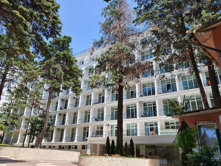 Апарт-Отель Покровский, 300м до моря