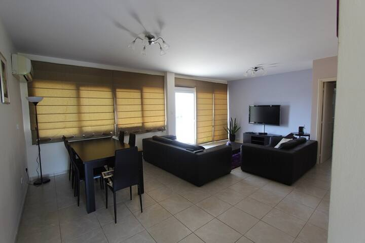 Luxary 3-bedroom amazing location - Germasogeia - Talo