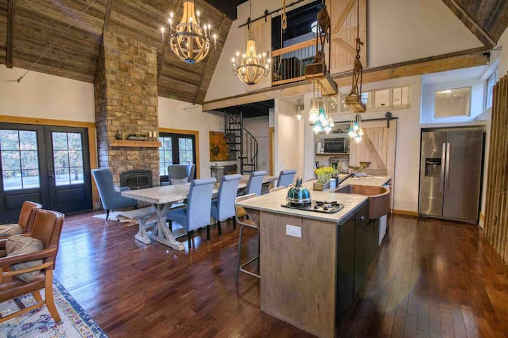 Stone Guest Barn-Country Oasis 30 min to OU or OKC