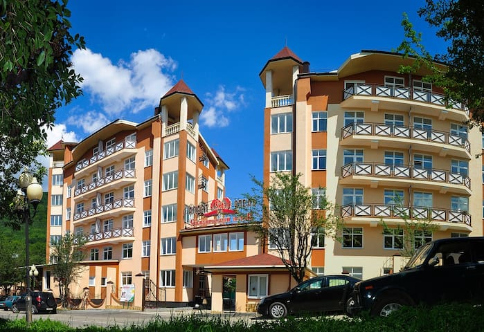 "Апарт-отель ""Славяновский исток"" - Zheleznovodsk - Apartotel"