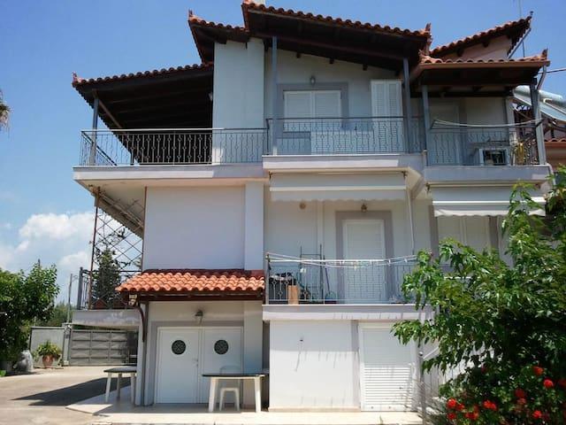 Γκαρσονιέρα στην Κυπαρισσία - Kyparissia - Wohnung