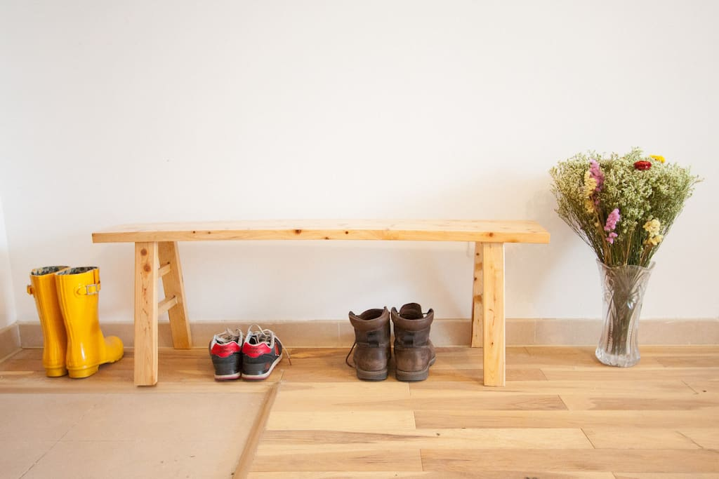 Long stool to change your shoes on