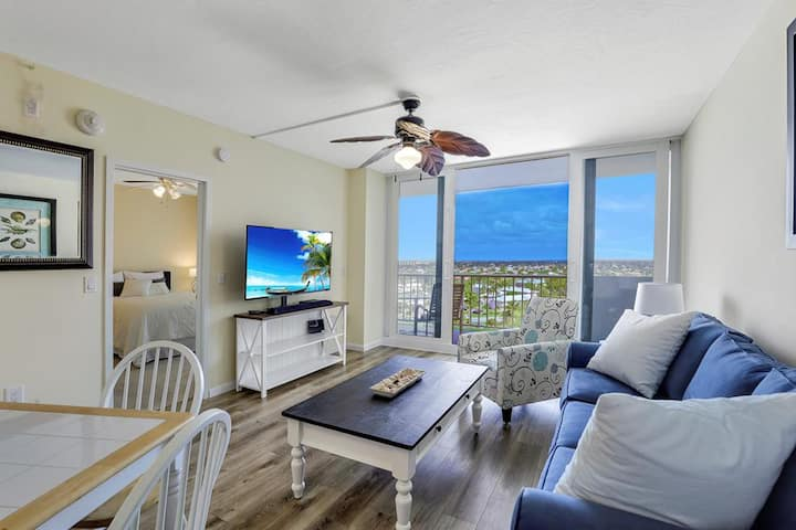 ADMIRALTY HOUSE UNIT 1104S MARCO ISLAND VACATION RENTAL