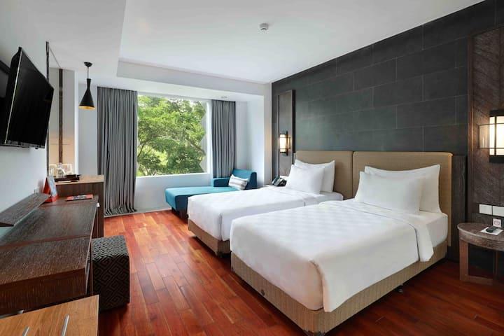 Deluxe Twin Room Near Dreamland beach