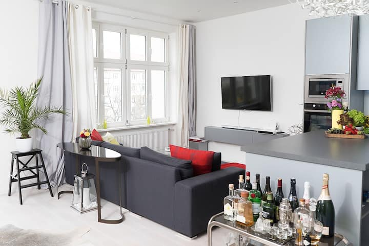 Sunny flat in central Prenzlauerberg with Balcony
