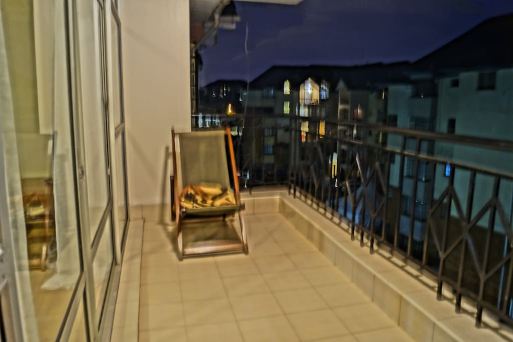 The awesome balcony. Take a book and enjoy the tropical Nairobi weather.