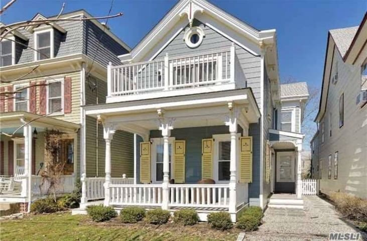 Enchanting home, bay views, in Greenport Village.
