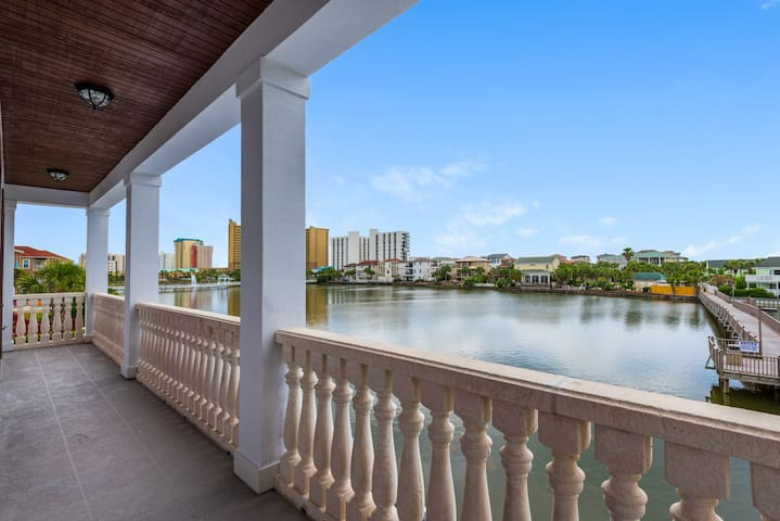 Over 1000 square feet of outdoor space that includes gulf view, lake view and outdoor  dining areas ensures that you fully escape in your salt life experience.