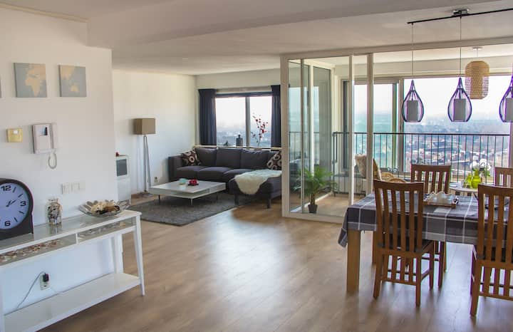 Apartment with amazing view, City center of Almere