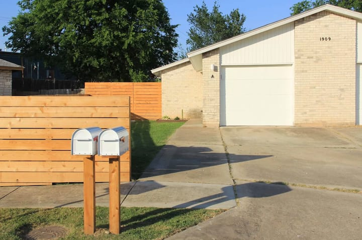 Perfect place with easy access to South Congress!