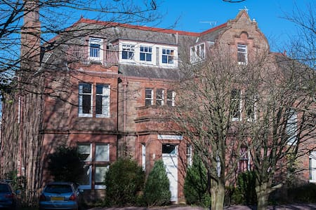Spacious 2 Bedroom Flat - sleeps 4 - North Berwick - Apartamento